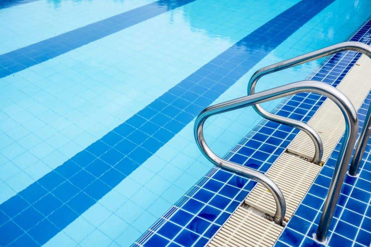 Repairing & Painting Swimming Pools With Mapei | Promain