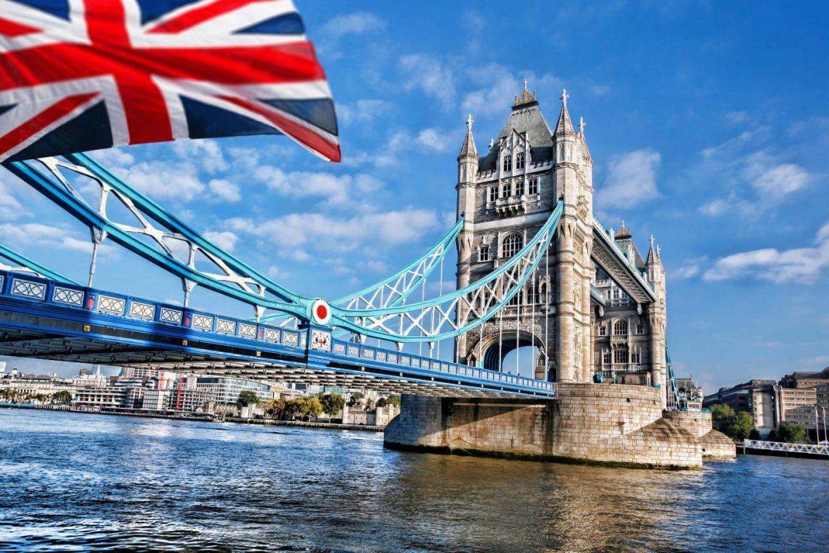 Painting Tower Bridge