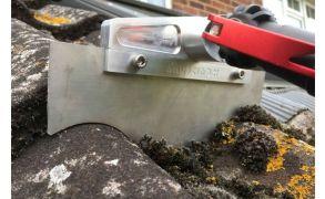 SKYVAC SkyScraper Roof Moss Remover